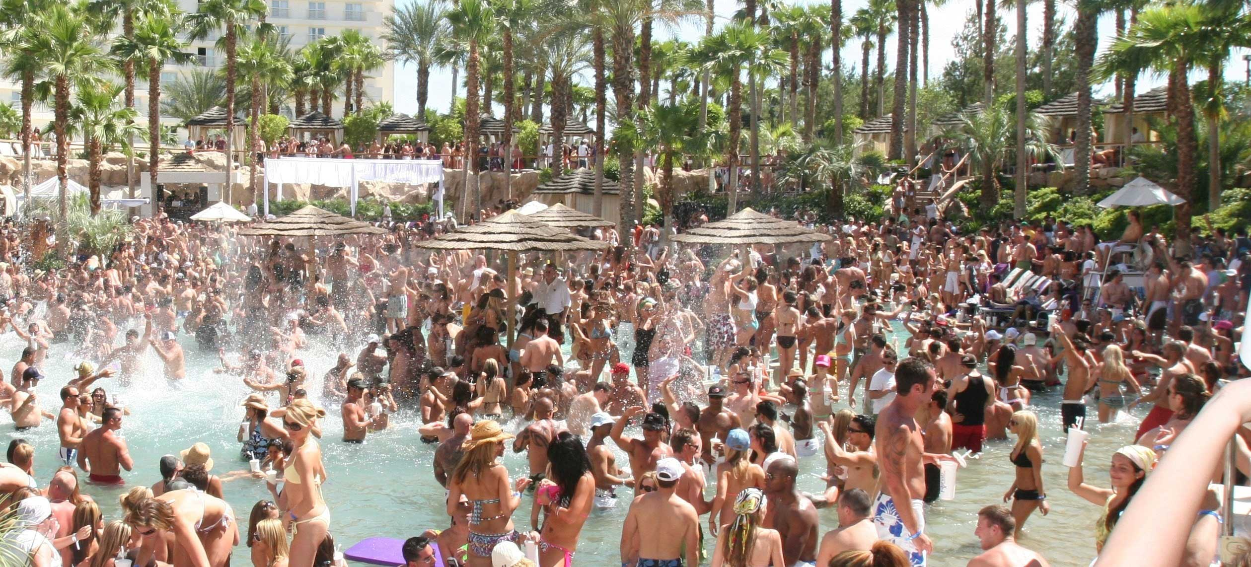 Vegas Pool Parties Take Summertime to the Next Level