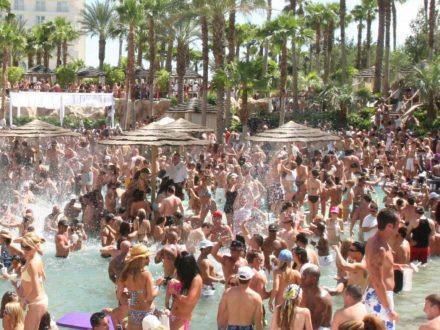 rehab pool party las vegas